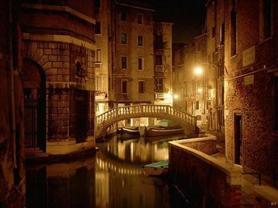 Beautiful Desktop Pictures on Free Beautiful Italy   Venice After Dark  Computer Desktop Wallpapers